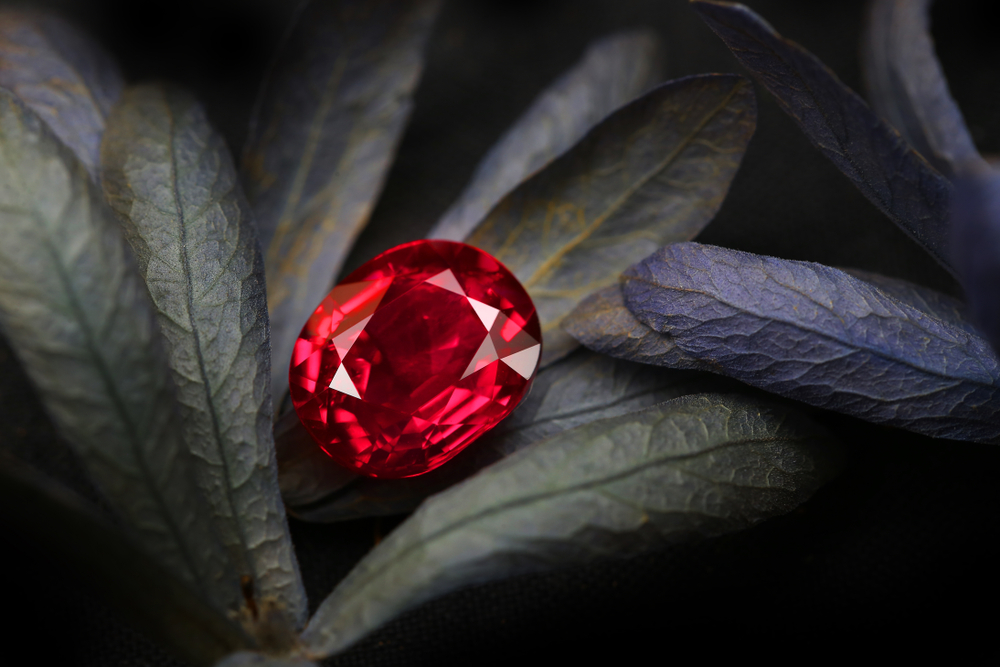 Garnet-Meanings-Properties-and-Uses