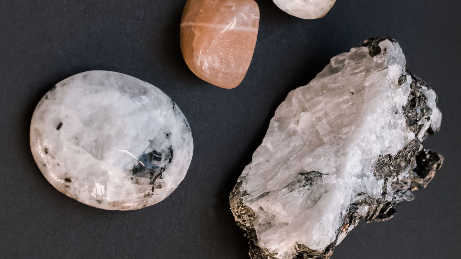 Moonstone Meanings, Properties and Uses