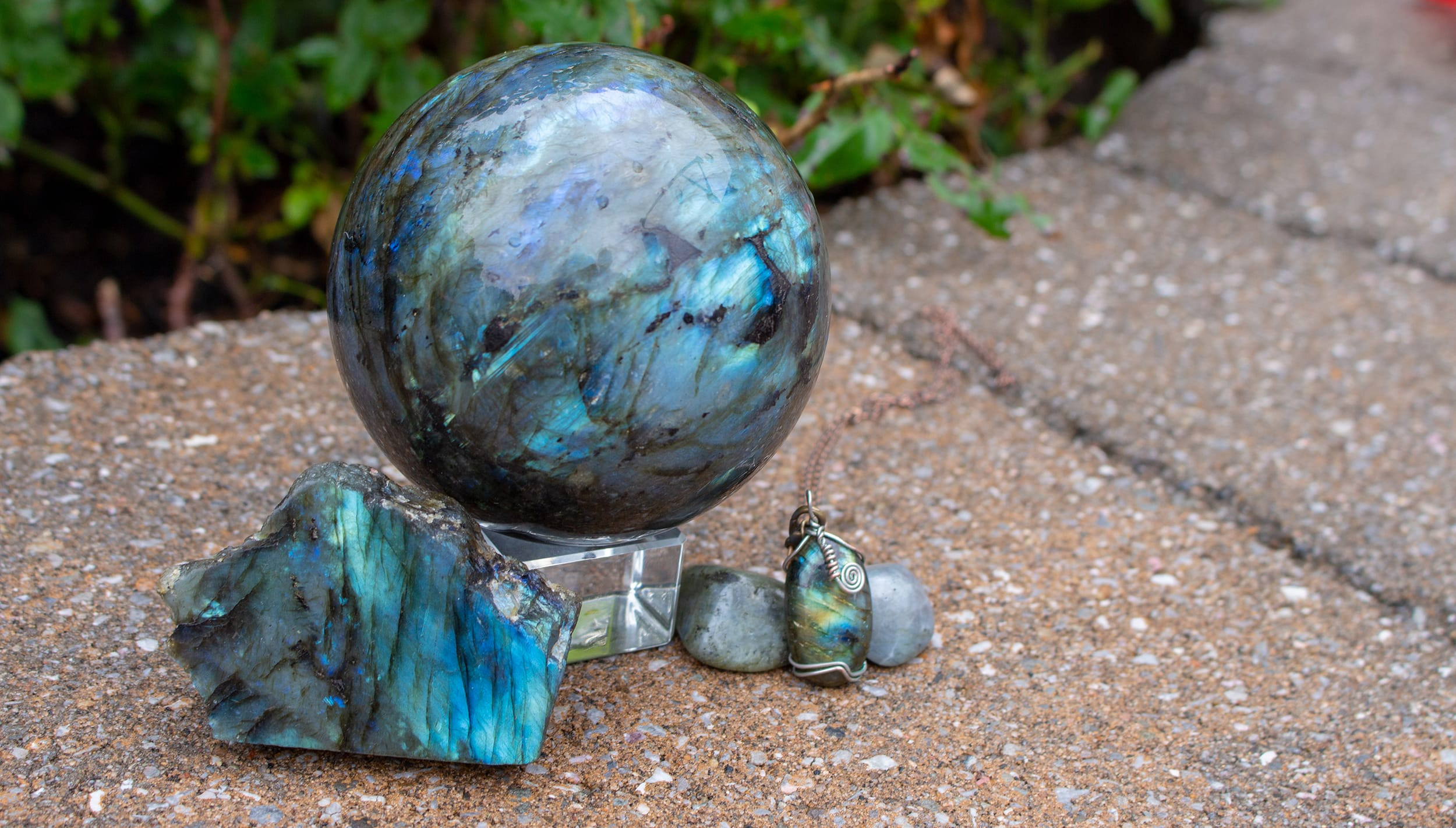Labradorite Meanings, Properties and Uses
