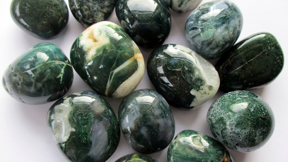 Moss Agate Meanings, Properties and Uses