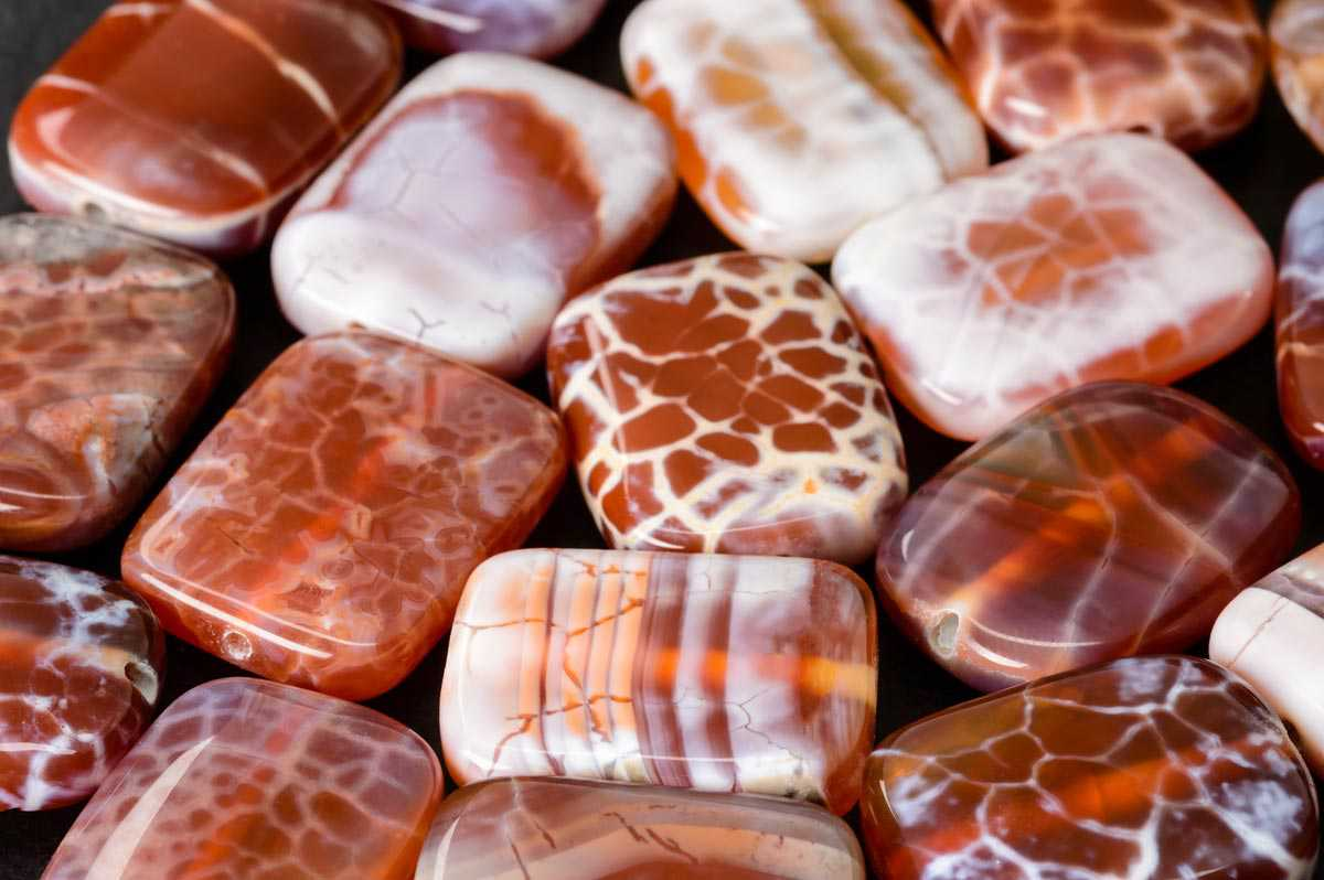 Fire Agate Meanings, Properties and Uses
