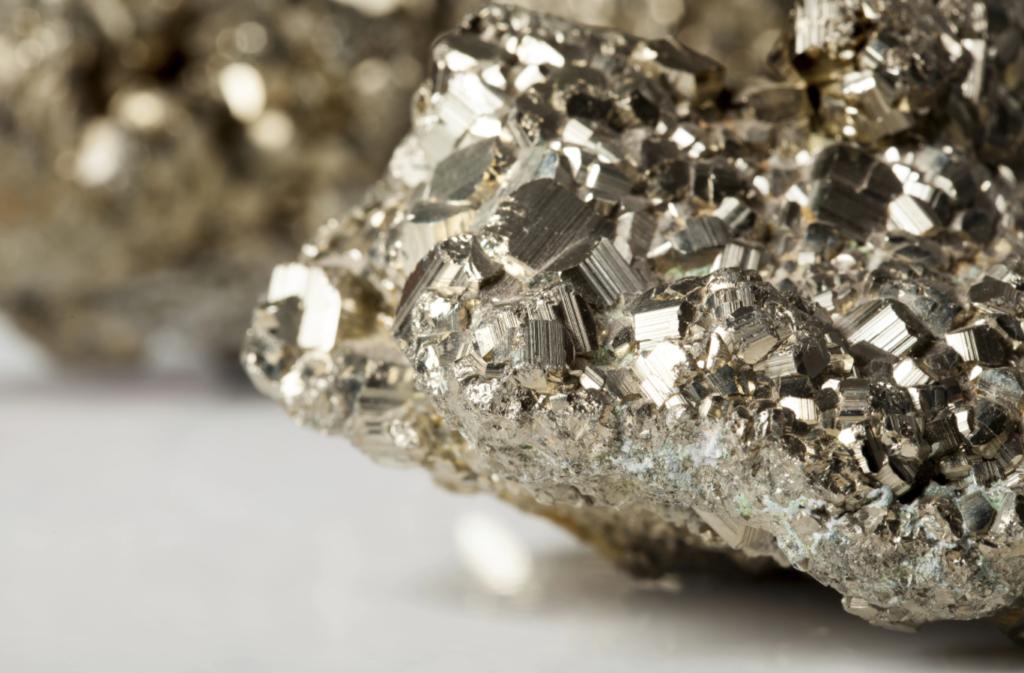Heliodor + Pyrite