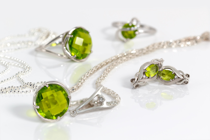The Benefits of Wearing Leo Birthstone? Ring, Necklace, Bracelet and Others Jewelry