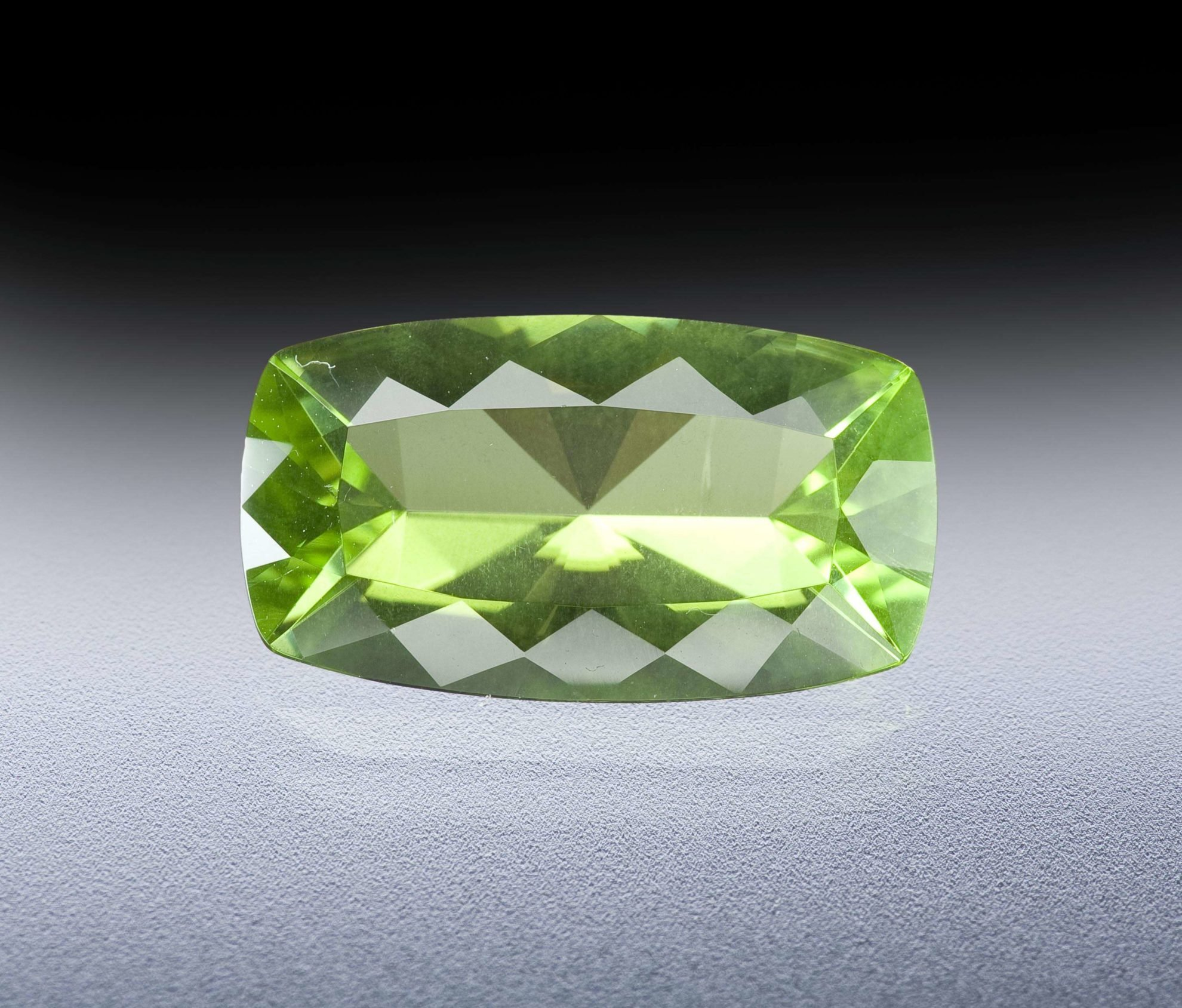 August Birthstone Guide, Color and Meanings