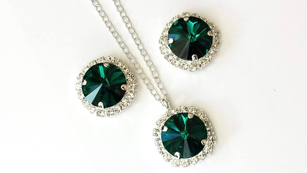 The Benefits of Wearing May Birthstone? Ring, Necklace, Bracelet and Other Jewelry