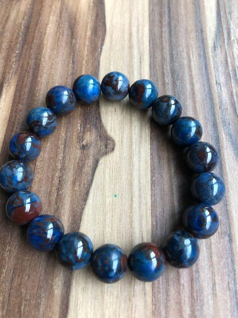 Blue sugilite